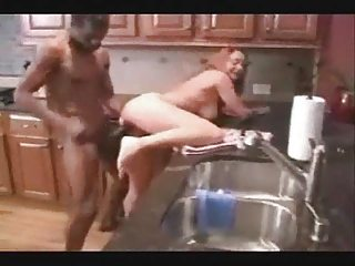 cuckold housewife copulate with dark bull on