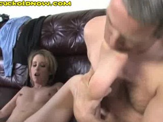 cuckold can just lick his wifes toes