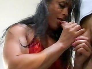 bodybuilding cougar slut butt
